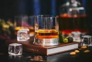 7 Must-Have Items for the Best Home Whiskey Bar