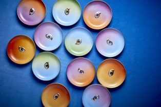 10 Quintessential Plate Sets for Every Day of the Week