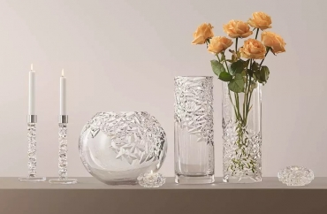 10 Timeless Crystal Orrefors Products to Welcome 2021