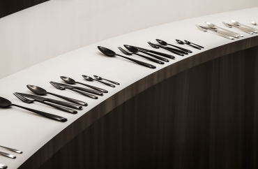 Eye-Catching Party Cutlery for Your Next Summer Soirée