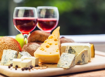 The Best Wine and Cheese Pairings To Try This Summer
