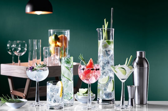 Dinner Party: 10 Home Decor Accessories that will Give Your Dinner Parties A Tropical Vibe